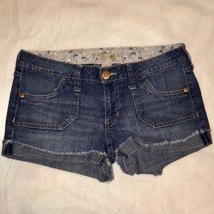 Arizona Jean Co. Stretchable Jean Shorts (Size 5)